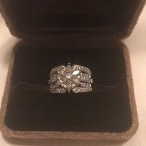 Jewelry - Silver ring cz size5/6